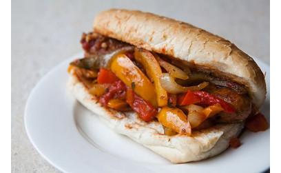 Итальянский Фастфуд с колбасками, перцем и репчатым луком 4 порции,   - 40-50 минут