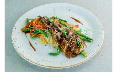 Саба кабаяки с бобовой лапшой